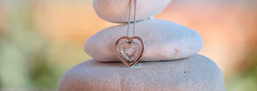 rocks, heart necklace